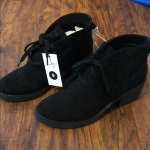 Universal Thread by Target black boots booties 9